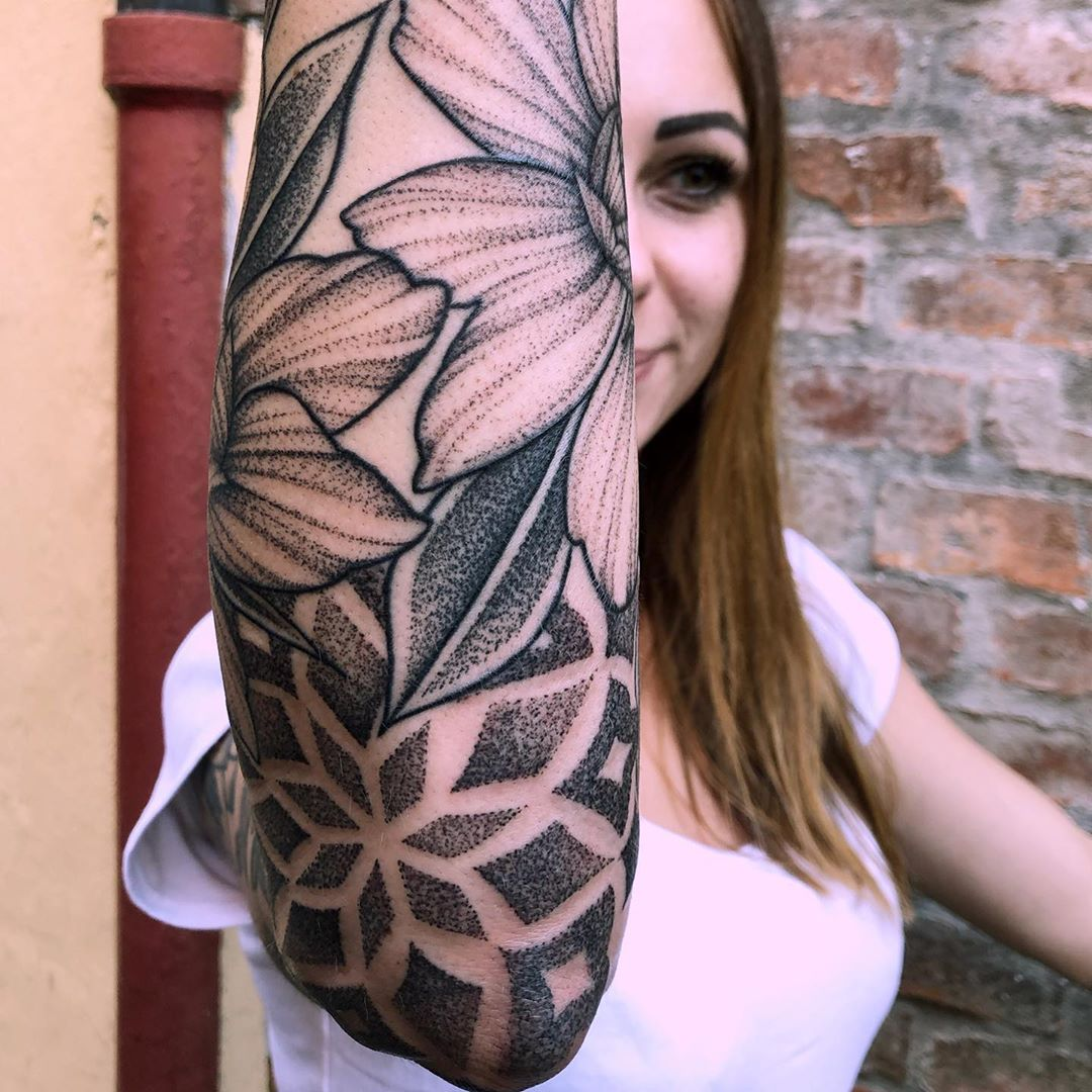 tatuaggi bianco nero bologna